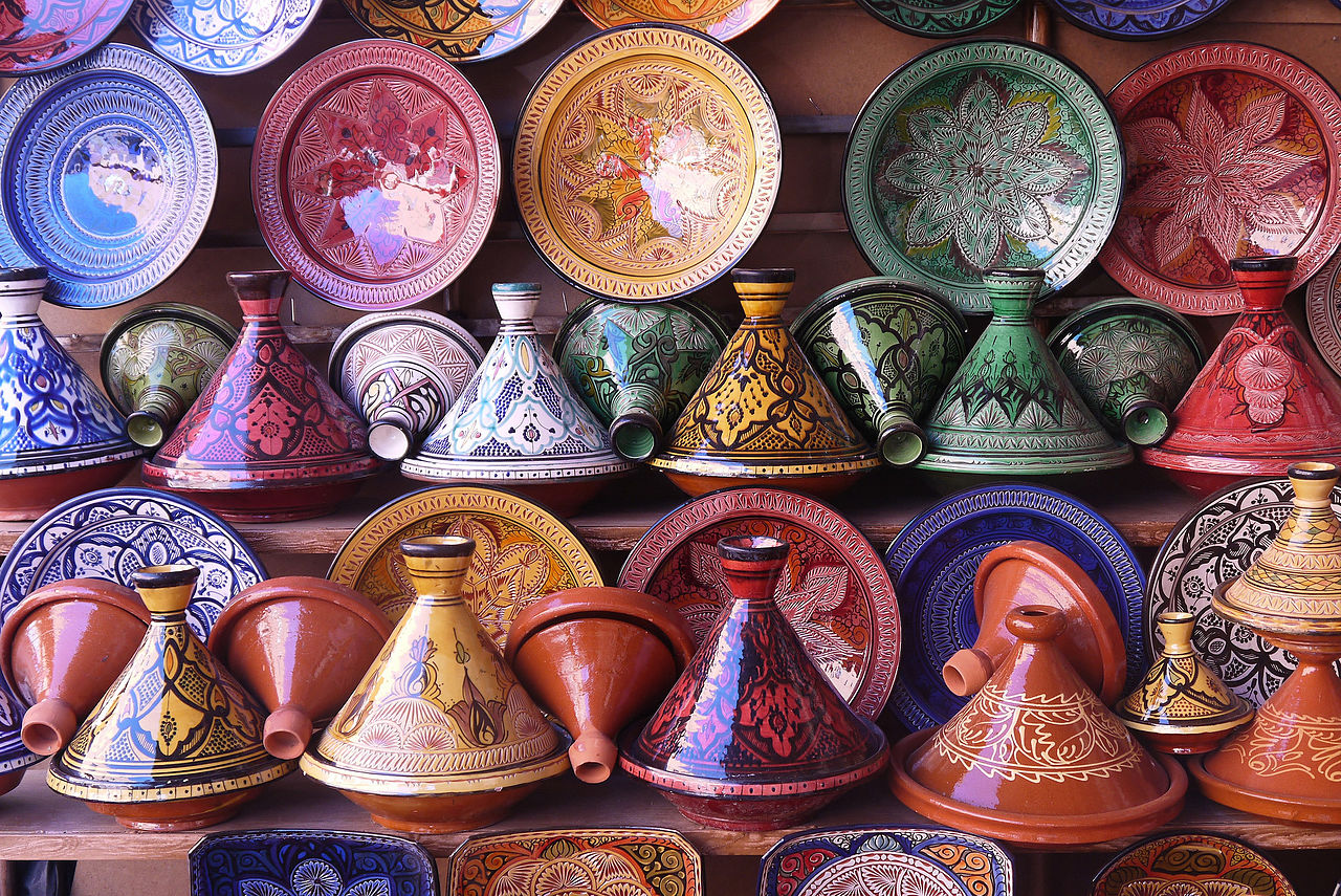 Tajines_in_a_pottery_shop_in_Morocco